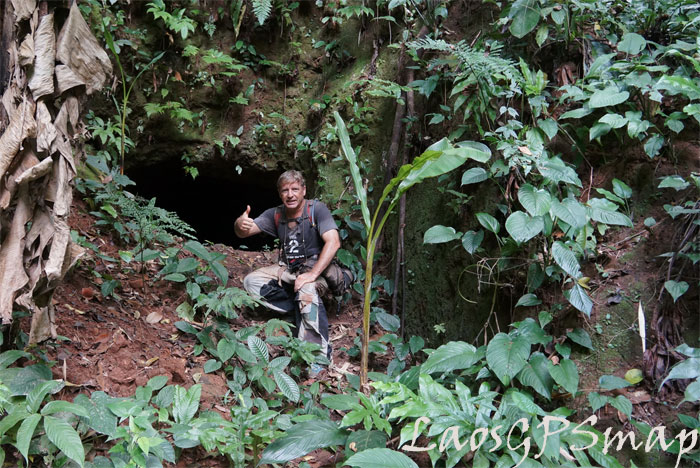 Ho Chi Minh trail 559-Headquarters-cave