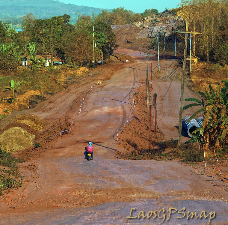 Motorcycle-Laos-road 11 C