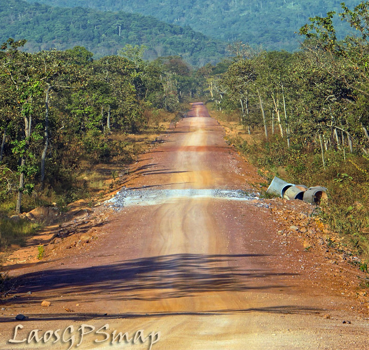 Motorcycle Laos Xepian-jungle-road