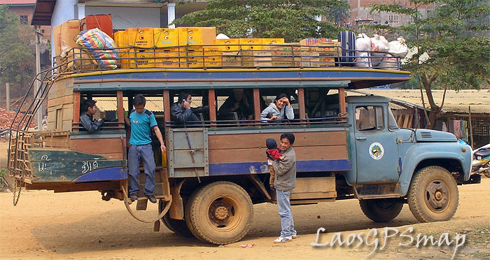 laos-old-truck