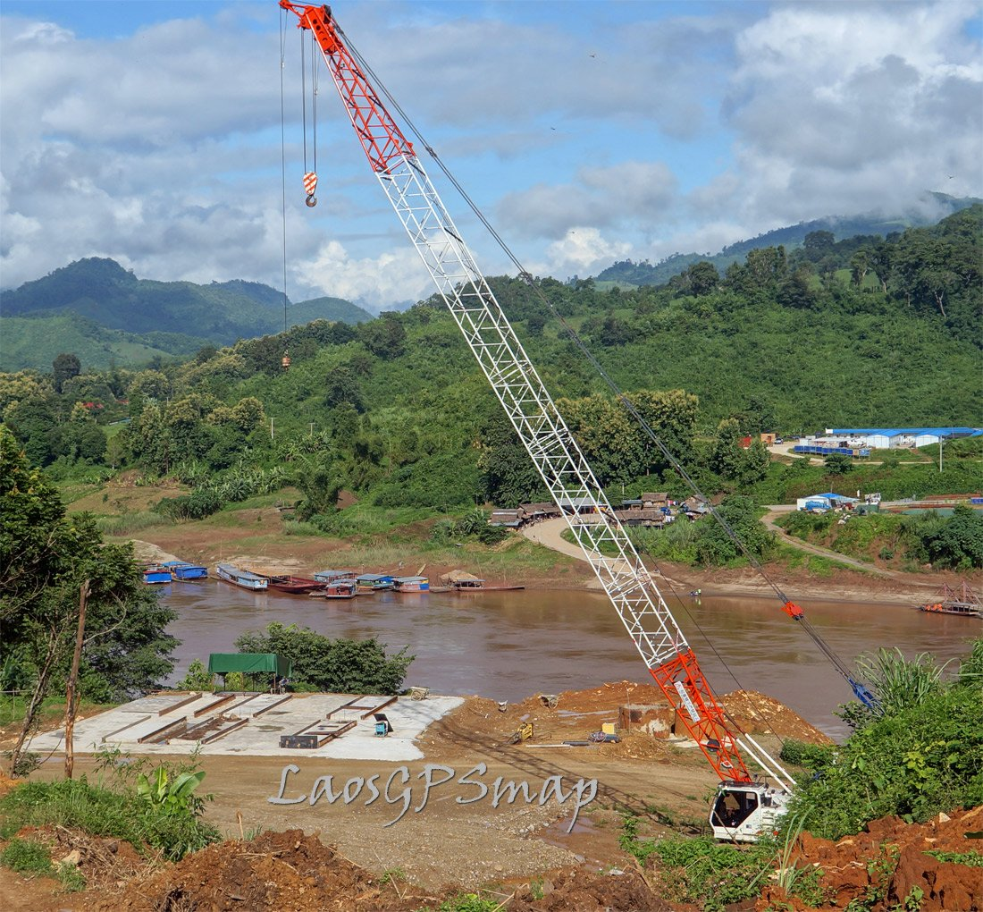 Mekong River Bridge at Pakbeng Construction