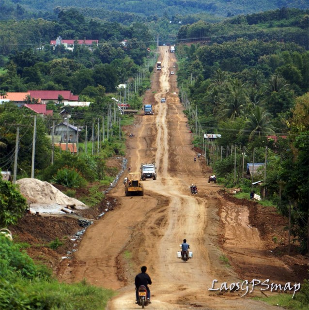 Motorcycle Laos National Road 4 Thadua