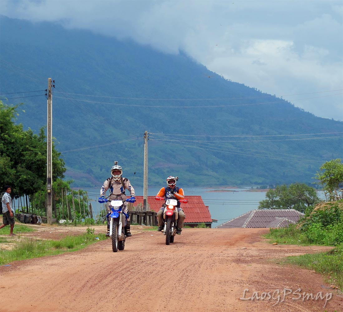 Motorcycle Laos Nam Ngum Lake