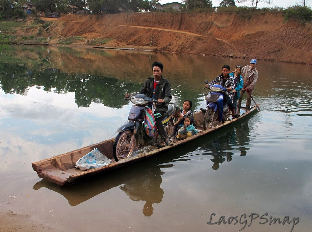 Xe Bangchieng river crossing