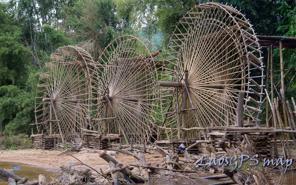 Giant water wheels