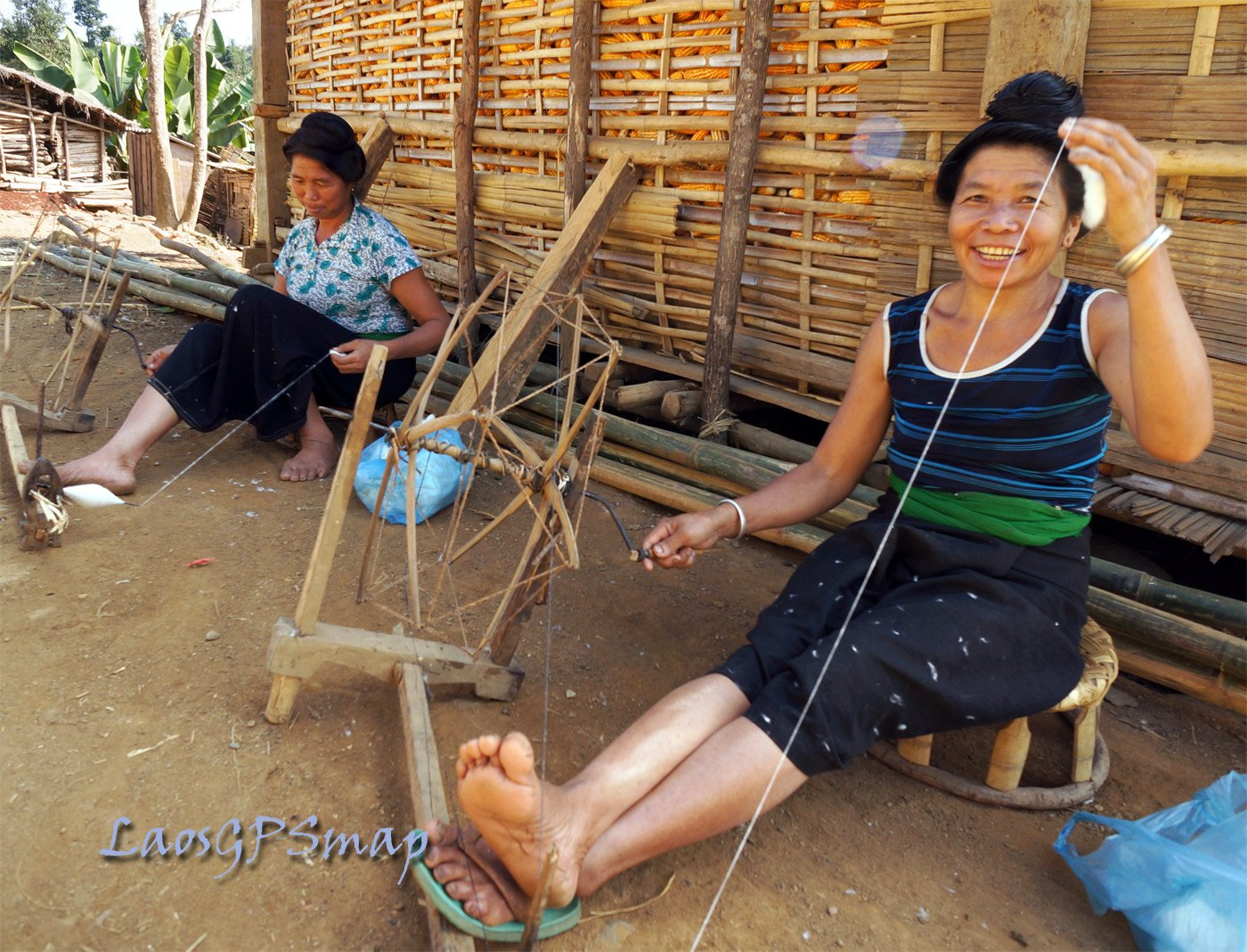 Weaving village along the Vietnamese border