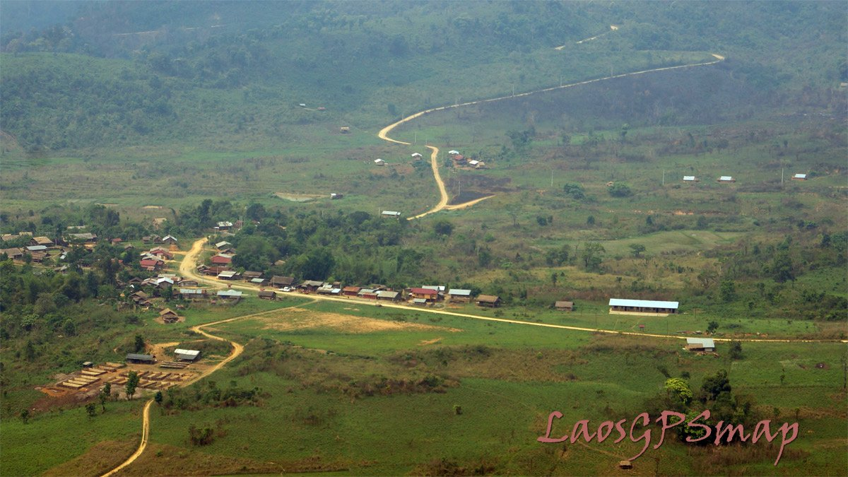 Xam Thong Valley and airstrip Ls 20